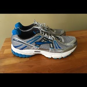 Brooks GTS 12 running shoes Men's 8.5 extra wide